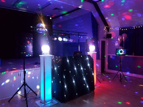 Lightup plinths for disco parties in Hertfordshire